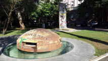 <h5>Thanks Mateusz Zatonski</h5><p>Segment of Berlin Wall in Tirana, Albania, right next to one of Hoxha&#039;s 700 thousand bunkers. © by &lt;a href=&quot;https://www.twitter.com/ZatonskiMateusz&quot; target=&quot;_blank&quot;&gt;Mateusz Zatonski&lt;/a&gt;</p>