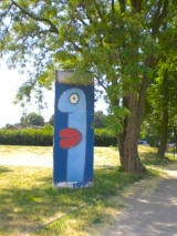 <h5>Thanks Thierry</h5><p>© courtesy by &lt;a href=&quot;galerie-noir.de&quot; target=&quot;_blank&quot;&gt;Thierry Noir&lt;/a&gt;</p>