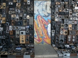 <h5>Thanks Benoît Maubrey</h5><p>Speakers Wall. Original Berlin Wall section with 1000 loudspeakers, amplifiers, telephone answering machine and radios © by &lt;a href=&quot;http://www.benoitmaubrey.com/?p=820&quot; target=&quot;_blank&quot;&gt;Benoît Maubrey&lt;/a&gt;. </p>
