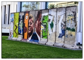 <h5>The Berlin Wall in Los Angeles, California</h5><p>Details, Copyright:  &lt;a href=&quot;http://en.the-wall-net.org/?p=186&quot;&gt;Los Angeles, CA&lt;/a&gt; / more &lt;a href=&quot;http://en.the-wall-net.org/category/the-berlin-wall/us/&quot; &gt;sites in the USA&lt;/a&gt;</p>