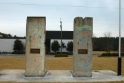 <h5>The Berlin Wall in Spartanburg, South Carolina</h5><p>Details, Copyright:  &lt;a href=&quot;http://en.the-wall-net.org/?p=194&quot;&gt;Spartanburg, SC&lt;/a&gt; / more &lt;a href=&quot;http://en.the-wall-net.org/category/the-berlin-wall/us/&quot; &gt;sites in the USA&lt;/a&gt;</p>