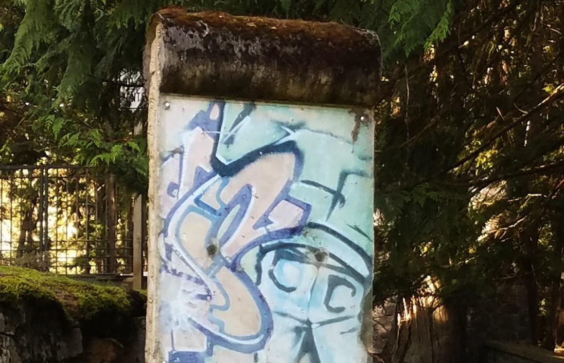 Berlin Wall in Hope, Idaho