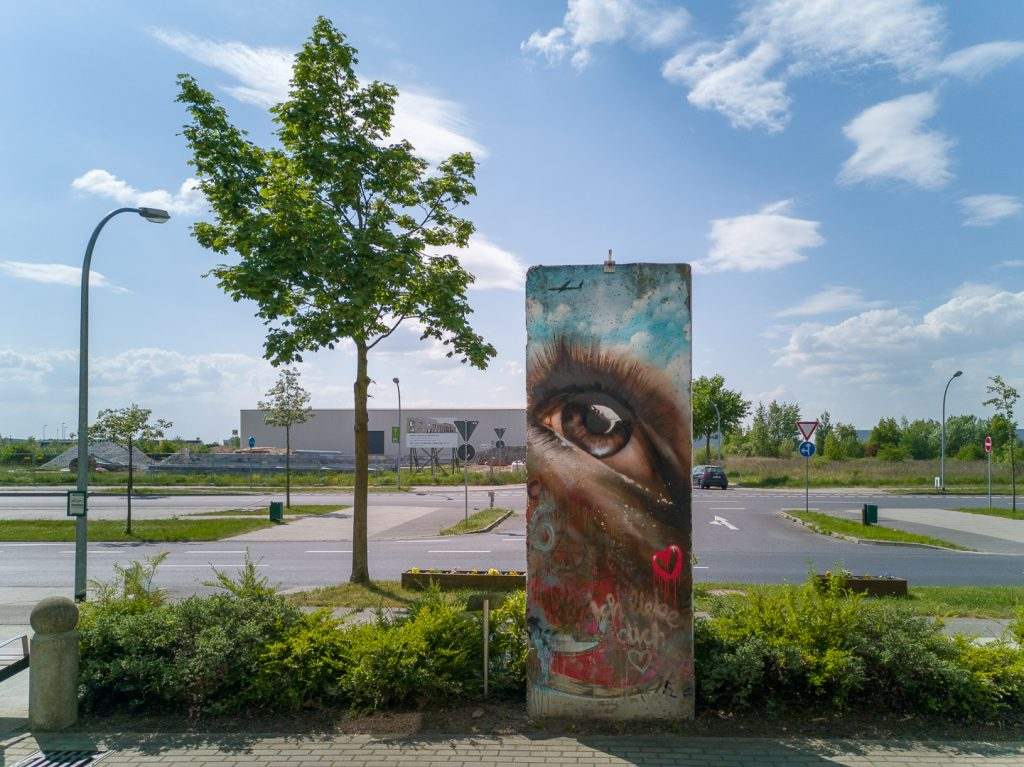 Berlin Wall in SXF